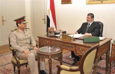 من هو عبدالفتاح السيسي.. قائد الجيش الذي انقلب على رئيسه؟