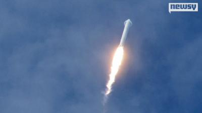 """شاهد كيف انفجر النموذج التجريبي لصاورخ """"فالكون 9"""" (فيديو)"""