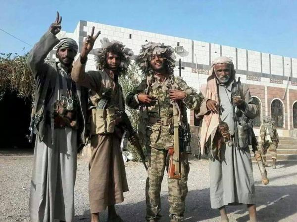 شاهد فيديو.. لحظة دخول مسلحو الحوثي إلى