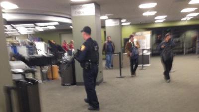 مُسلح يهدد طلبة جامعة فلوريدا ويقتل من