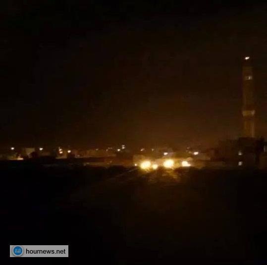 الحوثييون يأسرون الشيخ صادق الأحمر وسام الأحمر ويستولون على منازلهم، وأسر أكثر من 100 آخرين