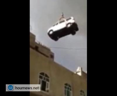 شاهد فيديو: مغترب يمني يخبئ حافلته فوق
