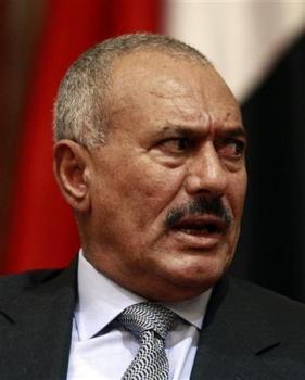 ثروته بلغت 27 مليار دولار: مسؤولون غربيون يكشفون عن معرفتهم بوجود ثروة مالية ضخمة للرئيس صالح وانهم سيضطرون لتجميدها اذا استمرت الازمة في اليمن Pr-2-4053