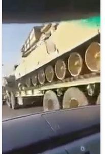 بالفيديو السعودية تنقل معدات ثقيلة إلى حدودها مع اليمن
