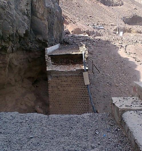سخط في الجنوب من الغارات السعودية ويقولون انها تسعى لتدمير البنية التحتية ومقدرات الناس (صور)