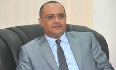 باذيب على رأس وفد يمني يصل القاهرة لبحث التوصل إلى حل للأزمة اليمنية