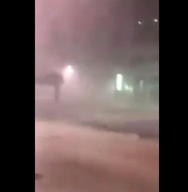 «أبو ظبي» تتعرض لضربة قوية ورياح عاتية فجر اليوم (فيديو)