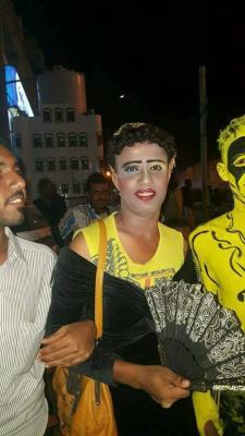 ظهور شباب «جنس ثالث» في مديرية الشحر بحضرموت.. (صور)
