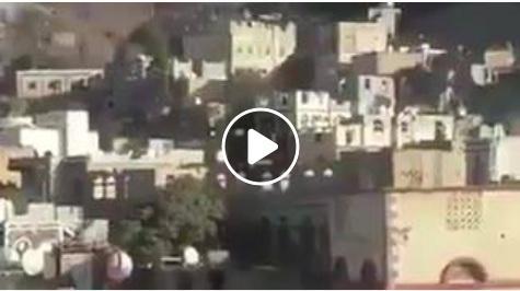 شاهد بالفيديو: لحظة تفجير الحوثيين منزل الشيخ أكرم الزرقة احد وجهاء حزب المؤتمر في حجة لوقوفه الى جانب صالح
