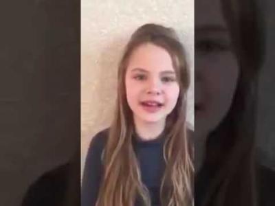 """طفلة أوكرانية تتلو القرآن الكريم وتحصد مليون مشاهدة """"فيديو"""""""