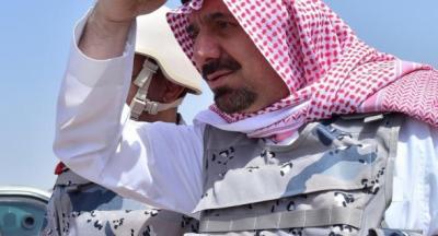 شاهد بالصور .. أمير سعودي يظهر في الخطوط الأمامية للجبهة بالحـدود