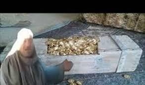 """مصري يكتشف كنوز قارون ويؤكد """"اسجنوني لو بأكذب"""" (فيديو)"""