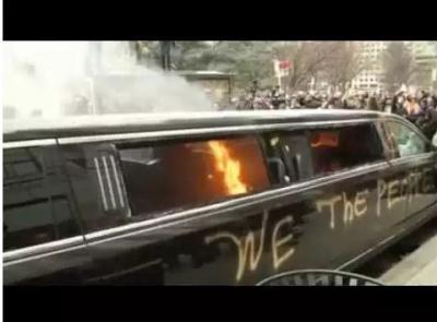 بعد ساعات على تنصيبه.. متظاهرون غاضبون يشعلون النار في موكب (فيديو)