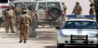 شاهد بالفيديو.. صراخ وهلع لحظة إطلاق نار في تبوك السعودية