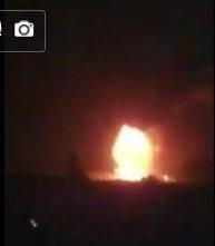 اليمن : شاهد بالفيديو قصف كلية الطيران بصنعاء من قبل طائرات التحالف مساء الليلة