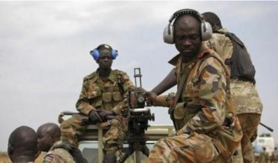 شاهد فيديو(مؤثر): بين جريح حوثي وجنود سودانيين في المخا غربي تعز - اليمن