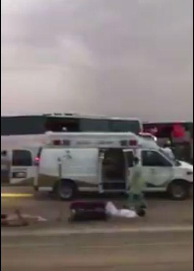 بالفيديو :حادث لخمس حافلات كبيرة بطريق القصيم بالسعودية و اصابة اكثر من ١٢٠ شخص واعلان حالة الطوارئ في سته مستشفيات