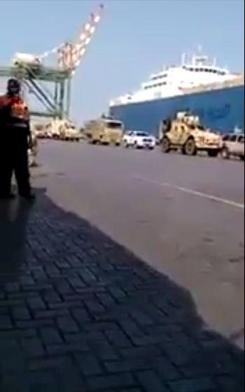 شاهد بالفيديو قوات المغاوير السعودية اثناء وصولها ميناء عدن جنوب اليمن