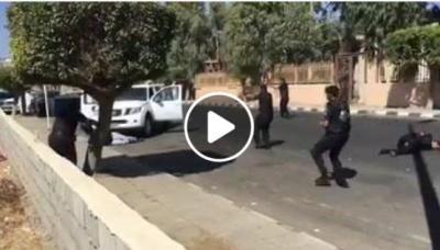 شاهد بالفيديو اشتباكات مسلحة بين الامن السعودي ولصوص الصراف الآلي في الباحة ومقتل شخص